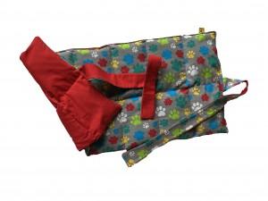 Körnerkissen mit Rapsfüllung groß grau-bunte Tatzen / Rot mit Band 55x28 cm